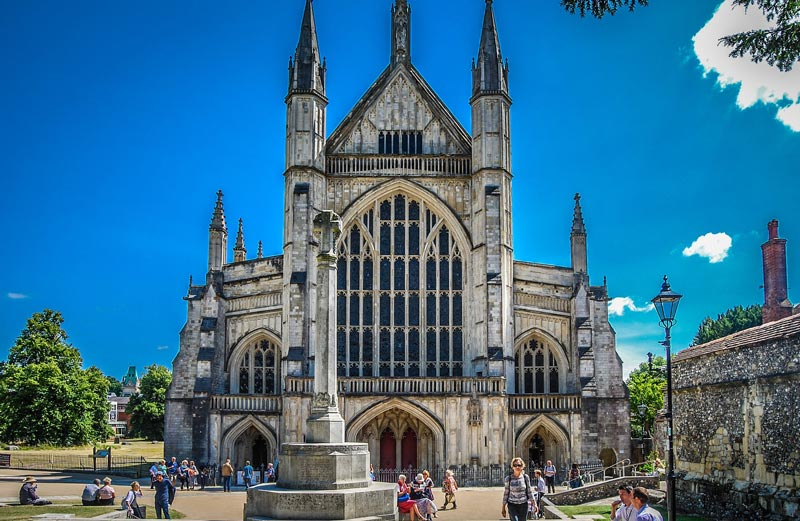 Visit Winchester A Stunning, Winchester Cathedral Round Table